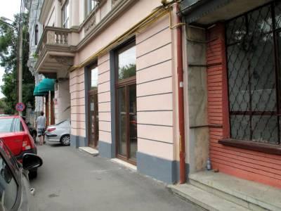 Spatiu birouri amplasat central, vis a vis de restaurantul Craiova