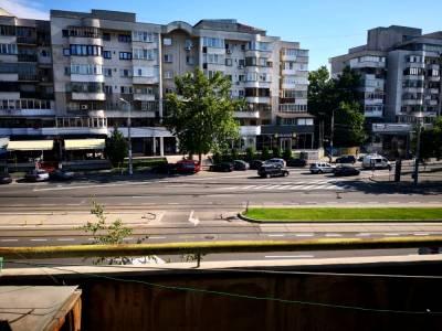 Apartament situat pe C. Bucuresti, zona Mc Donald\'s