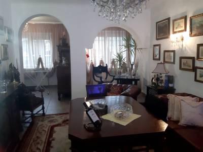 Casa spatioasa situata in apropiere de Politia rutiera