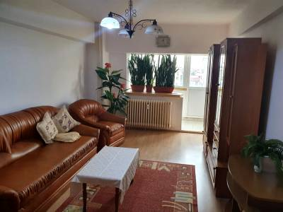 Apartament decomandat situat pe C.Bucuresti, la Orange