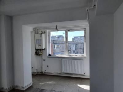 Apartament doua decomandate, Brazda lui Novac