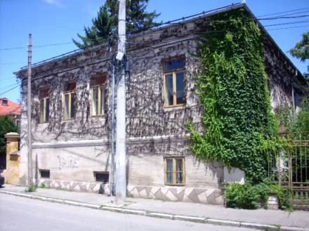 Casa solida, in zona centrala, pe strada Fratii Buzesti