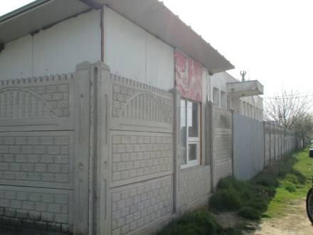 Spatiu comercial situat in comuna Bradesti