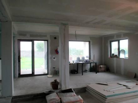 Casa situata in Albesti