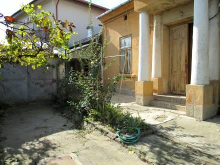 Casa amplasata central, langa Jandarmerie