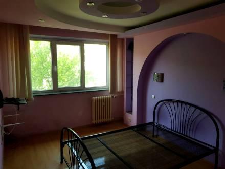 3 camere, Brazda lui Novac, F-uri, etaj 2