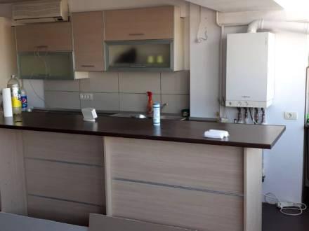 Apartament 3 camere, ultracentral, decomandat, Craiova