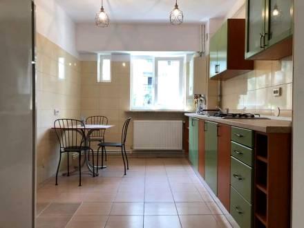 Apartament central, Calea Bucuresti, 3 camere decomandat