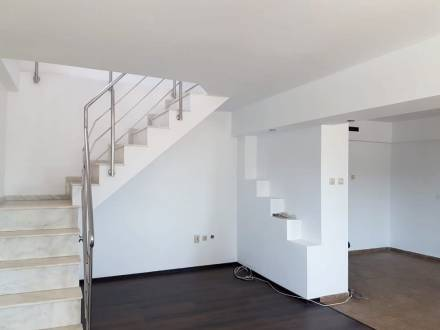 Apartament de inchiriat 4 camere, modern, zona centrala