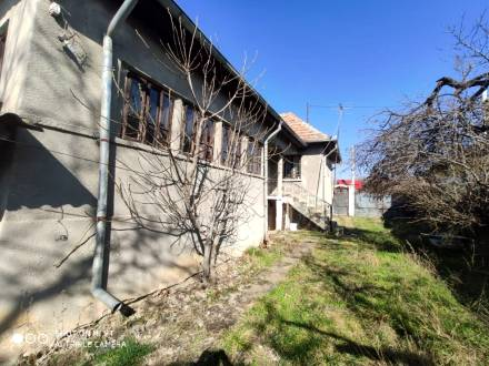 Casa situata in comuna Virtop