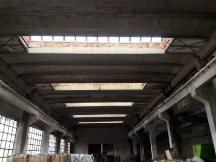 Spatiu industrial situat in com. Carcea